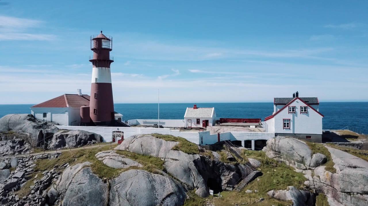 RYVINGEN FYR: Padle ut til Ryvingen fyr og ta overnattingen her. Dette er noe av det beste Sørlandet har å by på for eventyrlystne kajakkfolk.