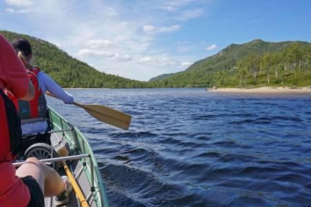 Man får en egen ro når en padler. Foto: Erlend Larsen