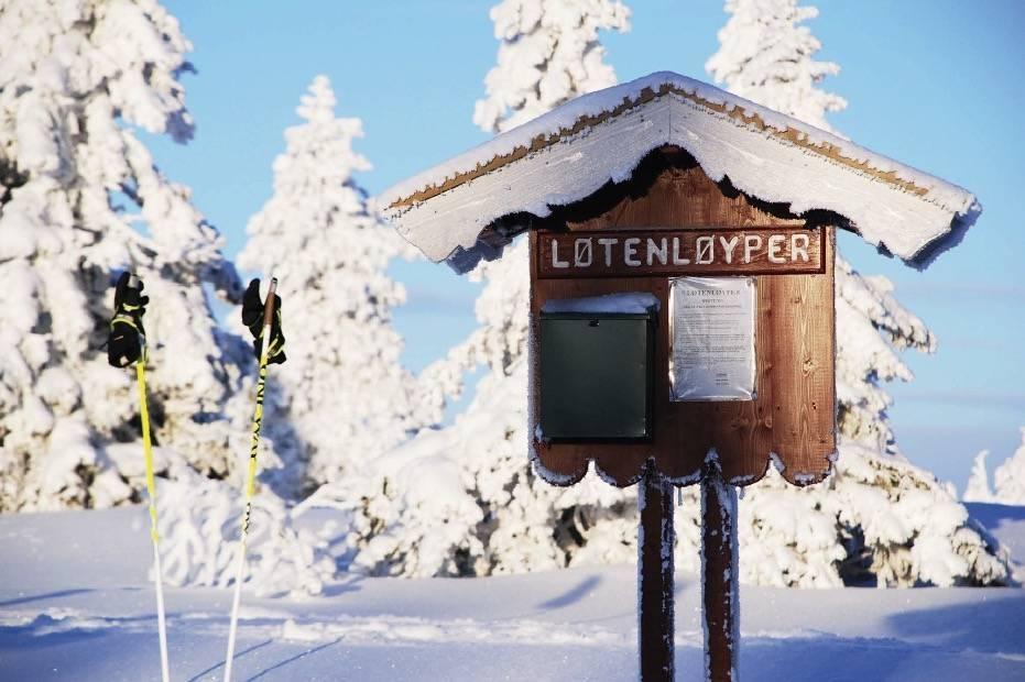 BUDOR: Omtrent to timer fra Oslo finner vi Løtens velpreparert skiløyper. Foto: Per Arne Andersen