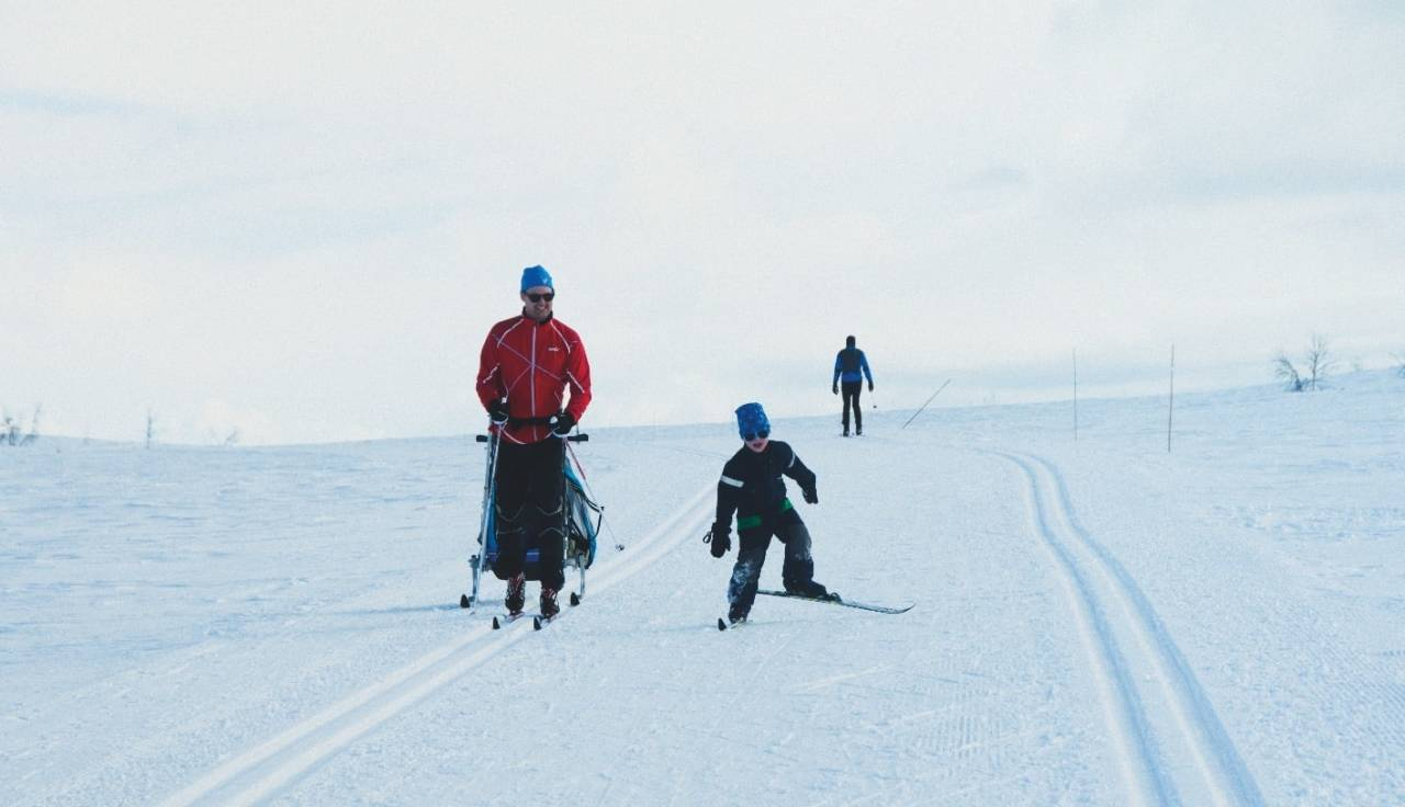 SKØYTE PÅ SKI: Skiglede mellom sporene. Foto: Gunhild Aaslie Soldal
