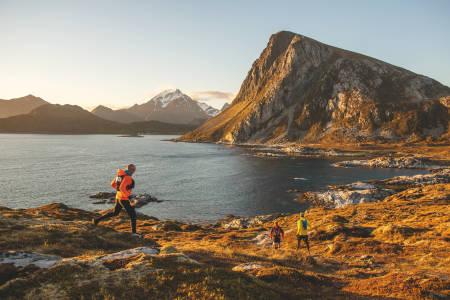 LØPELYST: Lofoten Arctic Trail innebærer løping i fantastiske omgivelser. Foto: Kai Otto Melau