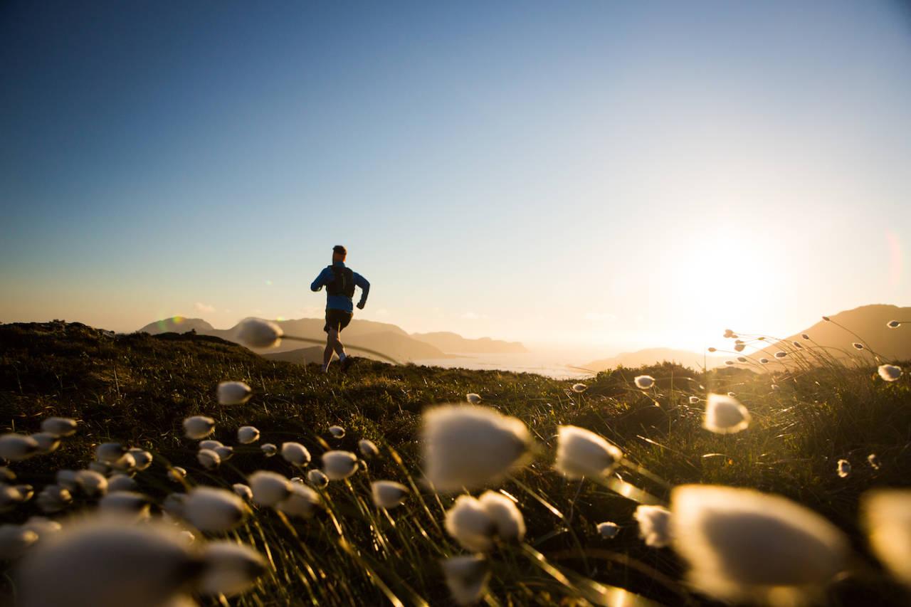 HORNSETEN: Løpetur med fjordutsikt. Husk at der du kan løpe, kan du selvsagt også gå. Foto: Håvard Myklebust