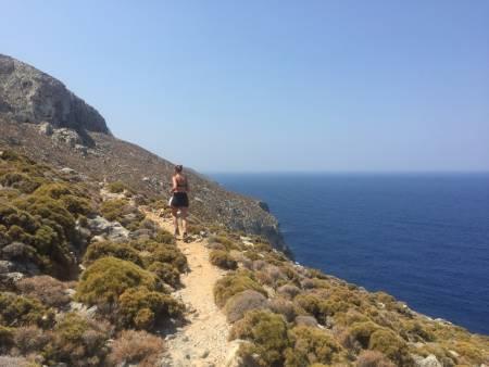 KALYMNOS TRAIL: Kalymnos er en koselig og vakker øy, og en av Europas viktigste klatredestinasjoner. Stiene rundt øya er fantastiske for løping på denne tiden av året. FOTO: Dag Hagen