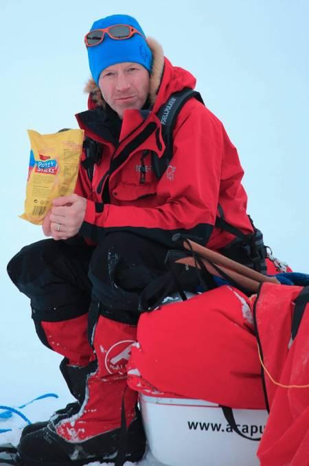 VÅR HELT PÅ VIDDA: Hvordan pakker Børge sammen teltet? Hva er hans viktigste plagg? Og hvorfor har han alltid med seg potetsticks på vintertur? Svaret får du i UTE som er i salg nå.