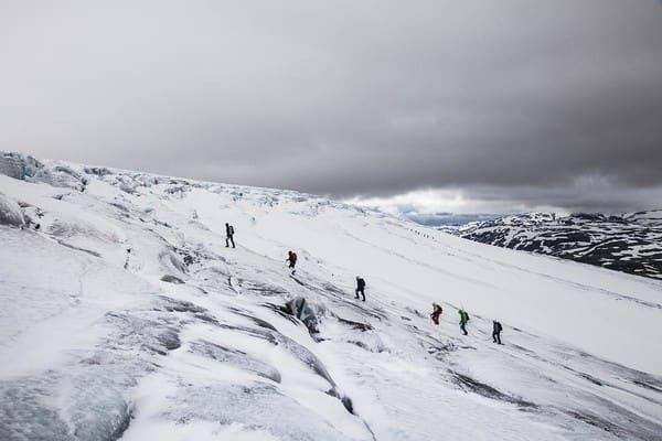 LANG REKKE: Breglede på brekurs på Krossbu. Foto: Martin Olsson