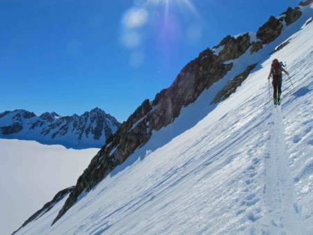 I SOLA: En perfekt flanke krysses på vei til toppen.