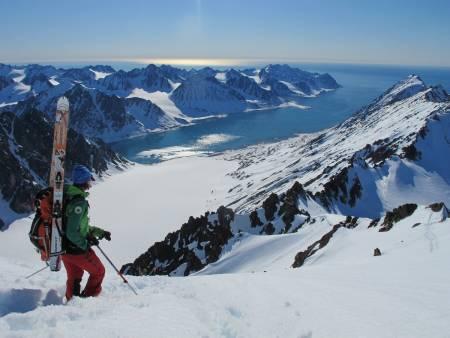 MAGISK: Utsikt ned mot Magdalenafjorden