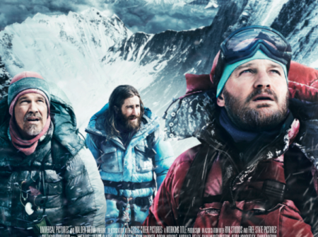 EVEREST gir deg en stjernespekket rolleliste, med Jake Gyllenhaal, Emma Watson, Josh Brolin, Robin Wright, Keira Knightley. Ser du filmen på førpremieren 15. september går hele billettinntekten til Nepal!
