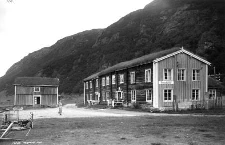 Drivstua Fjellstue i Oppdal er en av de gamle fjellstuene som fortsatt står der i dag. Foto: Neupert, Herman Christian / Norsk Folkemuseum