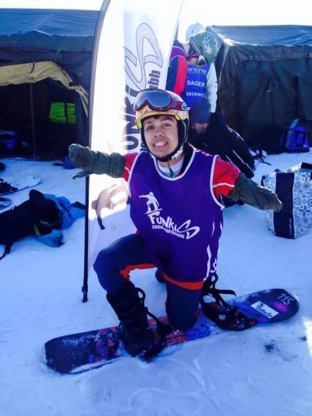 Edwin Gonzalez (NI) er en erfaren langrennsløper i UWC-målestokk. Under Ridderuka fikk han prøve snowboard for første gang.