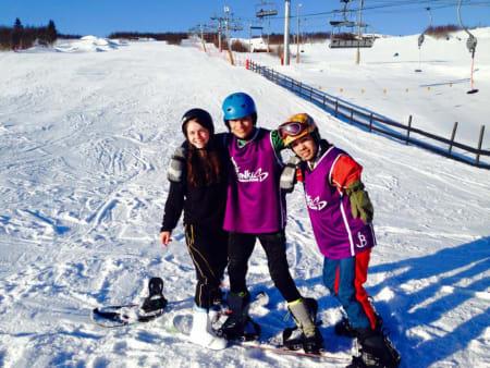 Hayley Ali (UK), Yerson Fabian Castellanos (CO) og Edwin Uriel Gonzalez Cornejo (NI) på snowboard.