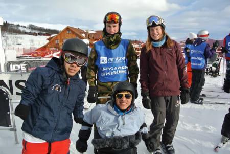 Edwin Gonzalez (NI), Melvin Cornejo Gomez (SV), ledsager fra Forsvaret og Tonje Kirkebøen Slettemo (NO) nederst i alpinbakken.
