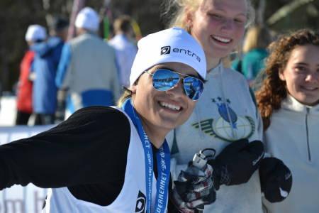 Yerson Fabian Castellanos (CO) er godt fornøyd med innsatsen både i langrenn og skiskyting.
