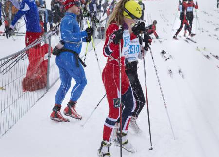 LETT PÅ FOTEN: Dansen på snøen før start uten ski.