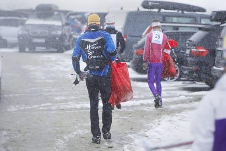 HJEM I SLAPS: Ved foten av fjellet har snøen falt som slaps. Rennet er over. Sol i 2015