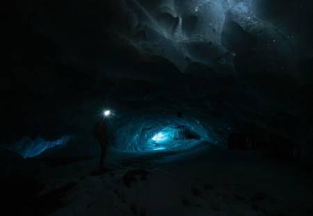 RINGSDALSGROTTA: Isen er død – leve isen. Foto: Vegard Aasen