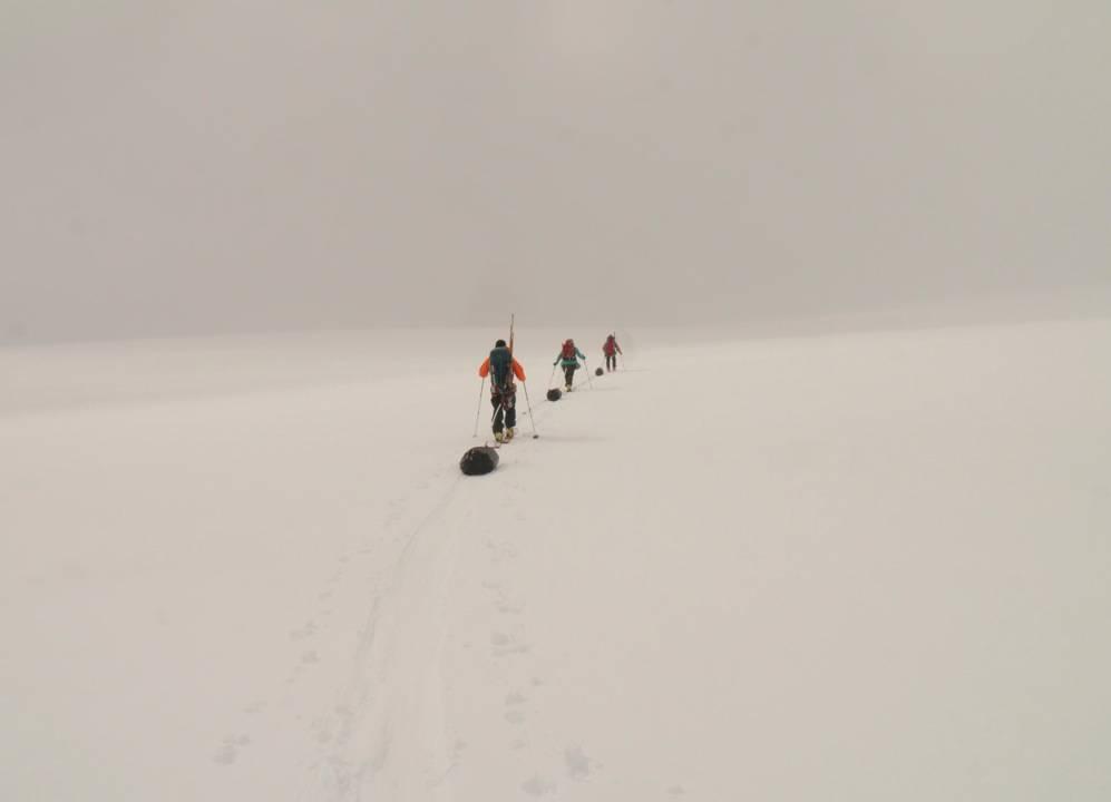 Stigning opp mot 1100 meter, turens høyeste punkt. Foto: Bjørn Riis-Johannessen