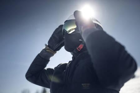 HUSK SOLBRILLER: Øynene trenger beskyttelse. Foto: Future