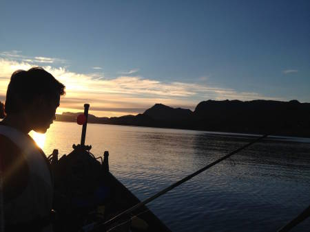 Fisking i solnedgang var ubeskrivelig vakkert, selv om det ikke ble fangst ut av det. Foto: Hayley Ali