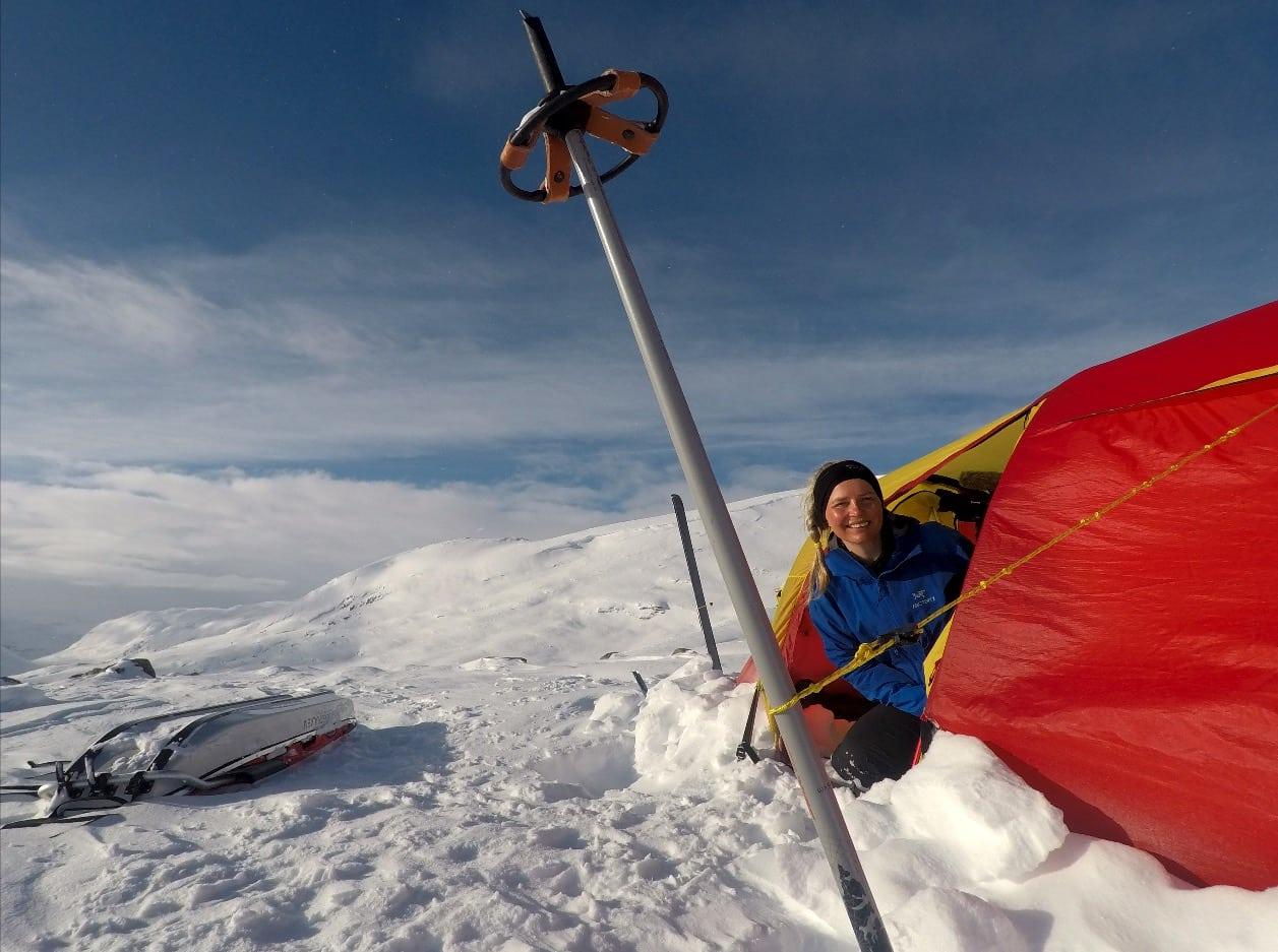 MASSIV TUR: Jeg valgte å starte på Hardangervidda, i motsetning til de fleste som går denne turen, for å unngå å bli solbrent i fjeset, og bli bedre kjent med Nord-Europas største høyfjellsplatå. Foto: Pia Marie Arnesen