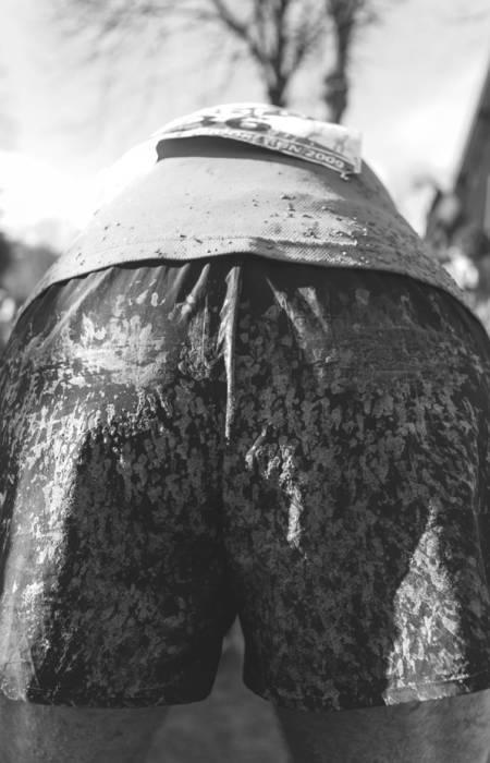 ABSTRAKT MALERI: Gjørmebryting mot naturkreftene. Foto: Øystein Lie
