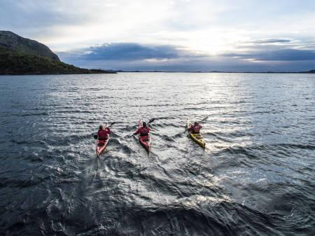 SEKS INNSLAG: Vandbakk skal lose oss gjennom seks innslag fra Lofoten og Helgeland med lokale gjester i hvert av innslagene.