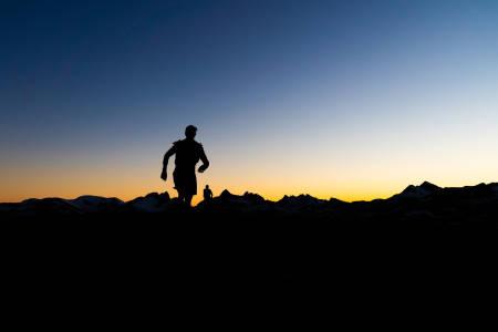 DRØMMEDØGNET: Da løpet Xreid Jotunheimen pågikk tidligere i sommer, holdt tidenes høytrykk vakt over fjelløperne. Foto: Bård Basberg