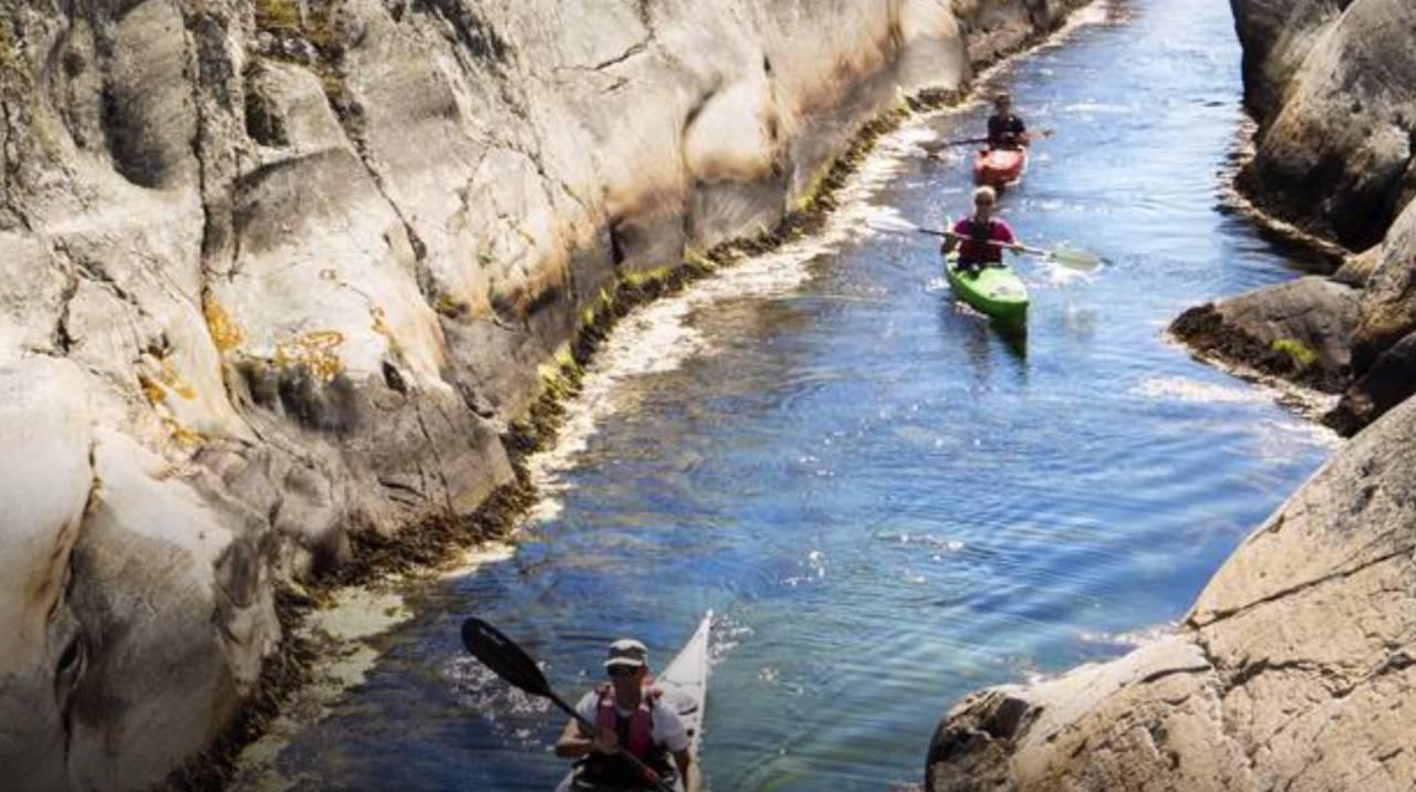 BOHUSLÄN: Padle med kajakk eller kano i Sveriges første nasjonalpark. Foto: Rune Borgelid