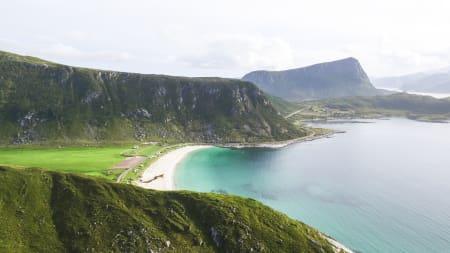 Padler til verdens fineste strand