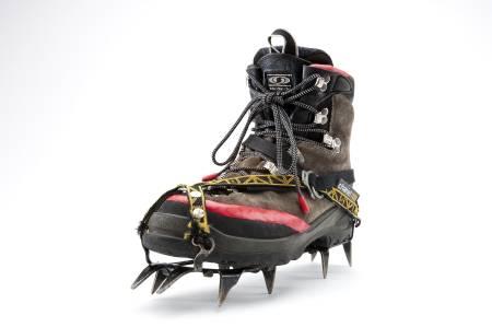 Hva er dine beste triks for å fikse ødelagt utstyr? Denne skoen har fått seg en runde med Sugru, en slags plastelina som stivner, på utsatte steder.