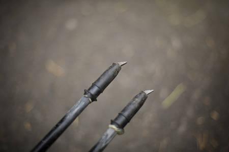 SOMMERUTSTYR: Trinsene på stavene er byttet med rulleskipigger, og joggepinnene er byttet ut med et par velbrukte rulleski.