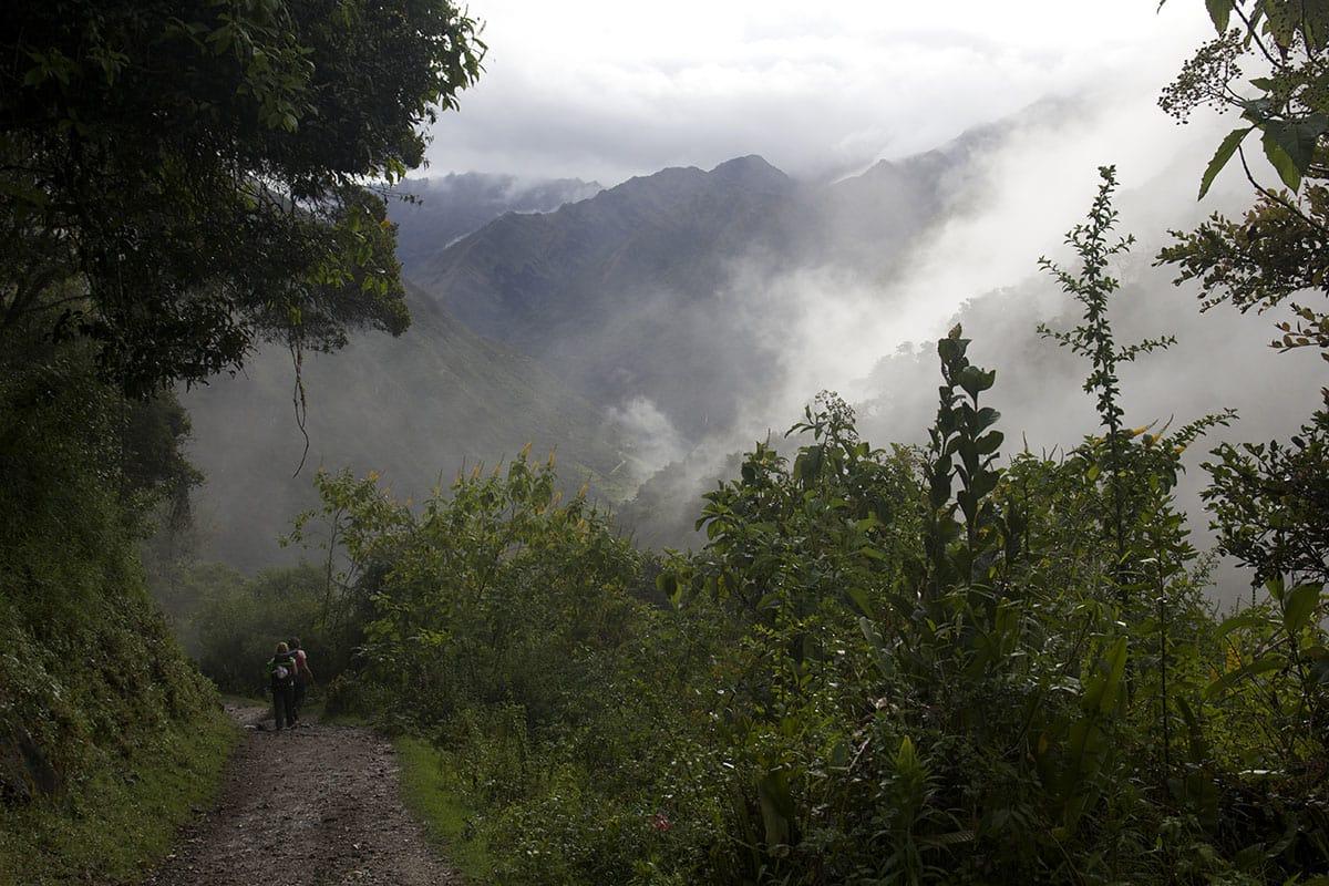 TIL MACHU PICCHU: 60 km, 4 netter, fem dagar - bakveien til inkaenes berømte by starter på 2900 moh og går over Salkantaypasset på 4650 moh og ender i Aguas Calientes på 2040 moh. Foto: Sigrid Skjerdal