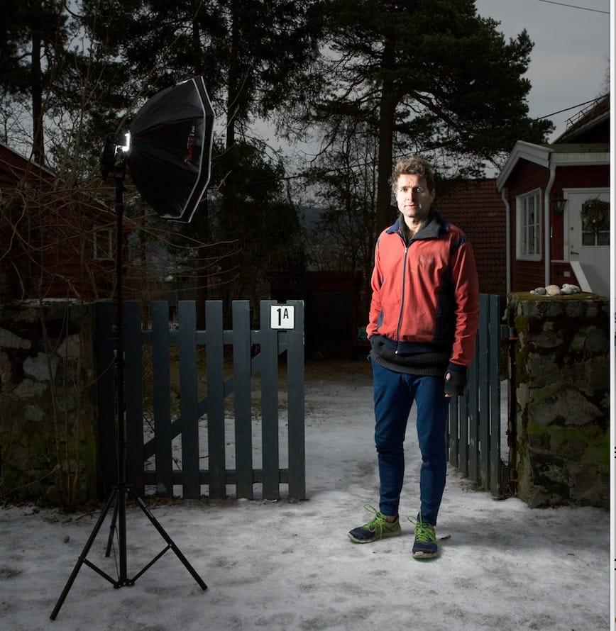 MODEN ÅRGANG: Det hender Thor Gotaas møter på folk med lik jakke i skisporet. Da stopper de alltid og slår av en prat. Ellers så har han masse klær. Mye ligger til modning. Foto: Line Hårklau