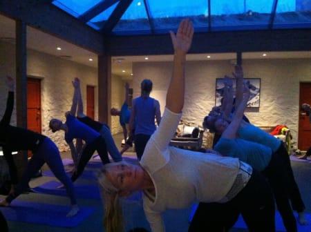 MORGENSTUND: Yoga klokka sju er en annerledes start på dagen for de fleste.