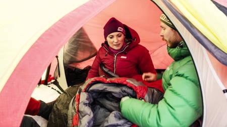 TRØTT TUR: God søvn på i telt er et vanskelig tema, men nærmest en selvfølge for trivselen.