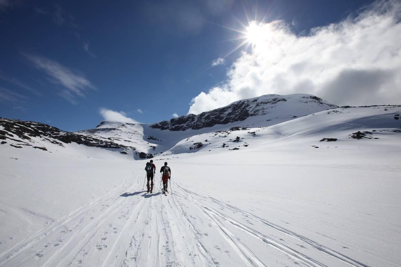 Sol og snø - uslåelig kombinasjon på toppturcamp. Foto: Dag Hagen