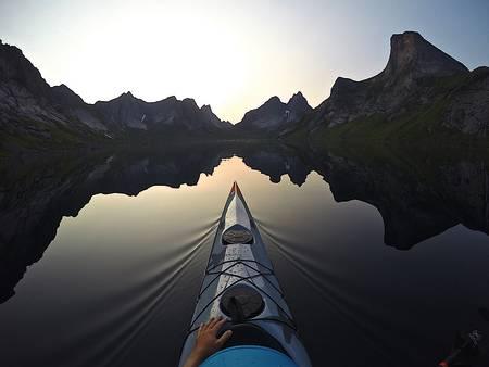 VAKKERT: Lofotvettreglene skal bidra til at folk også i fremtiden kan nyte Lofotens vakre natur. Foto: Kristoffer Vandbakk