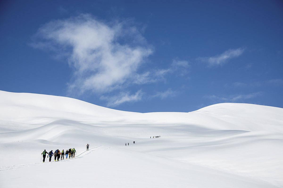 TOPP TUR: En tur til Blæja på Sunnmøre gir deg kvalitetskjøring i fint fjell. Foto: Fra boka Toppturar i Sunnmørsalpane