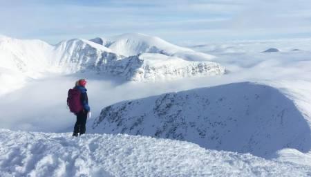 Utsikt fra Veslesmeden til Rondeslottet i Rondane. Foto: Øystein Gården