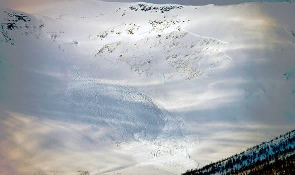Snøskred i Troms. Foto: Aadne Olsrud