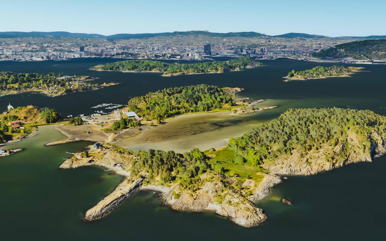 RETT UT AV BYEN: Det er lett å se for seg at Gressholmen rett utenfor Oslo-gryta kan være et fint sted å padle SUP.