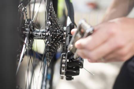 Justere gir på sykkel, feilgiring,