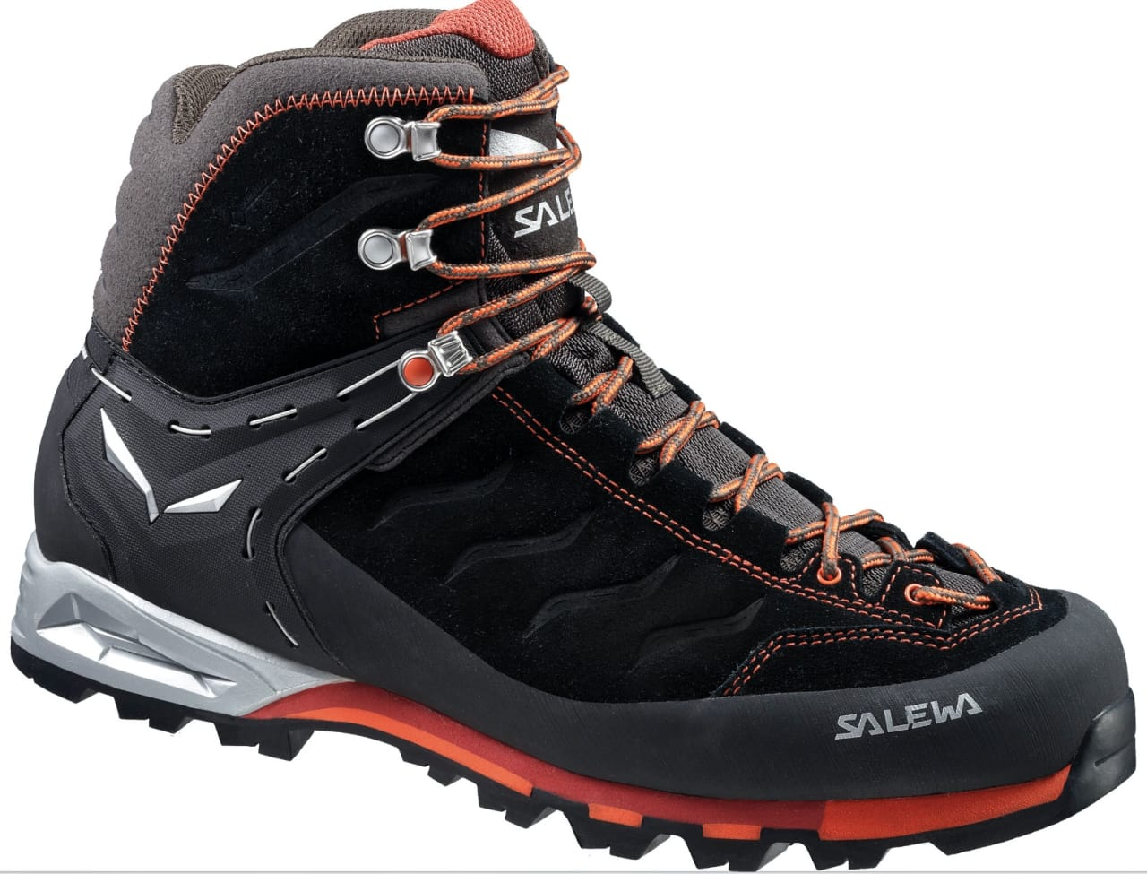 The 14 Best Hiking Shoes and Boots, According to Reviews