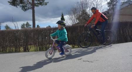 lære barna å sykle