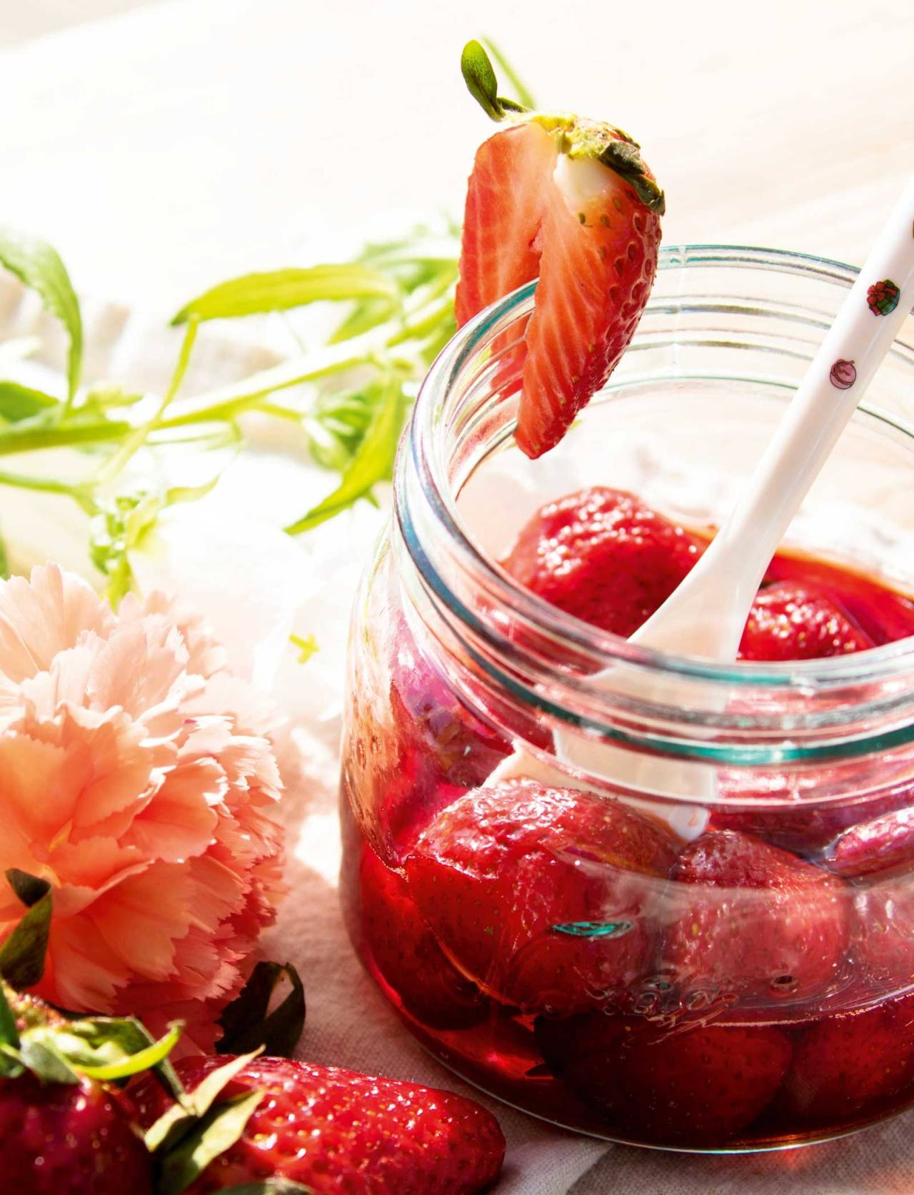 Uimotståleg: Med denne smarte metoden er jordbær noko du kan ha glede av sjølv om jordbærsesongen er kort. Foto: Sigrid Henjum