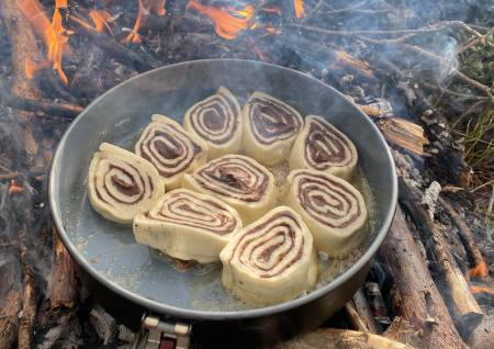 sjokoladesnurrer, pizzasnurrer som turmat på bål eller primus