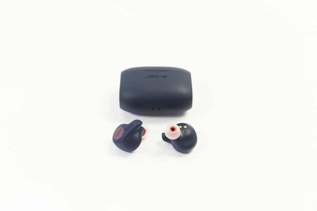 GODE PÅ ALT: Danske Jabra er gode på høretelefoner og deres Jabra Elite 65T Active-plugger kombinerer god og kraftig lyd med topp komfort.