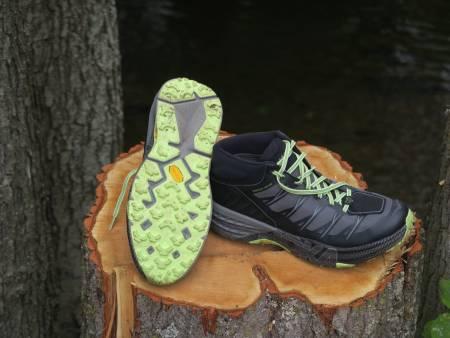 ANNERLEDES. Hoka har gått mot minimalisttrenden med sine superdempede sko. De føles trygge og myke å løpe med.
