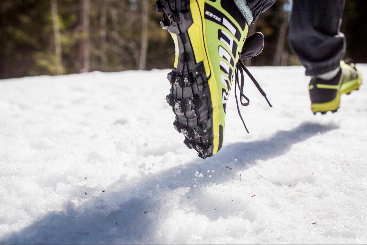 VINTERLØPING: Piggsko gir deg mulighet til å løpe året rundt. Foto: Marte Stensland Jørgensen