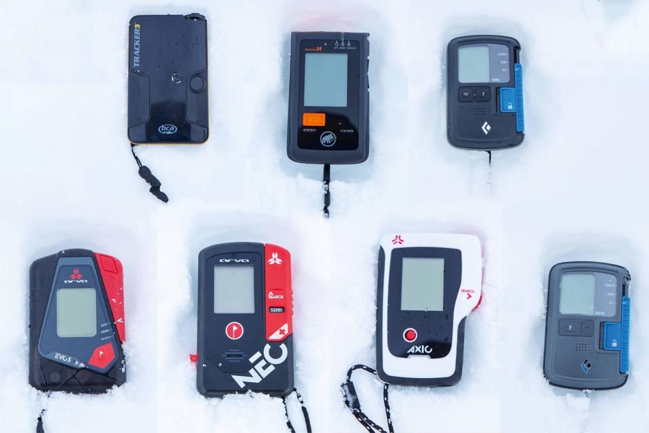 SKREDSØKER: Sender/mottaker kan vere det som avgjer om du kjem levande ut dersom du blir tatt av snøskred. Foto: Håvard Myklebust